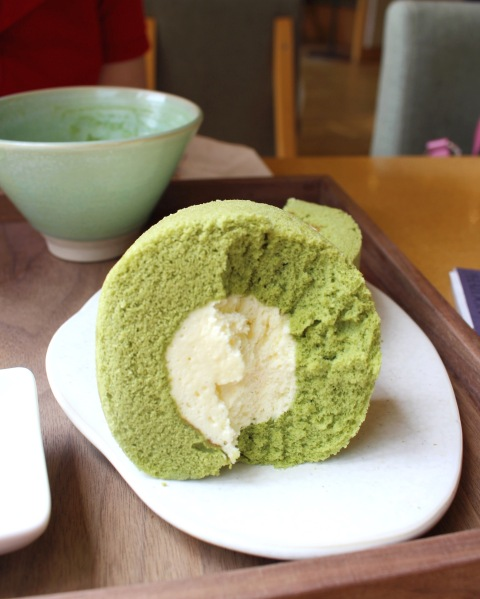 matcha roll cake osulloc south korea jeju travel sugarsheet dessert best