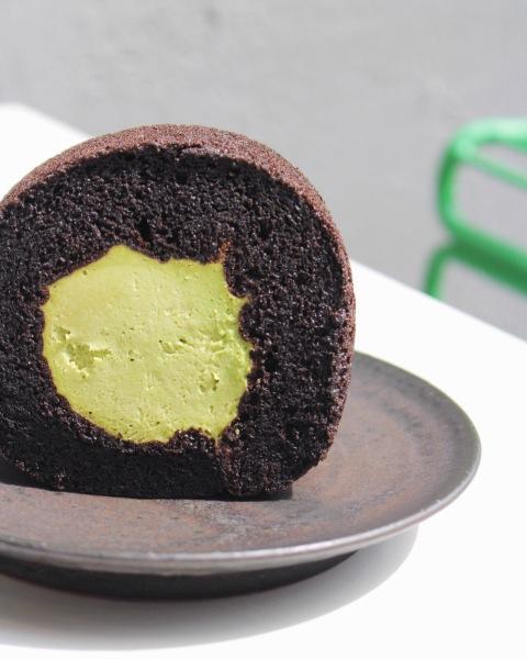 matcha green tea roll cake osulloc seoul travel dessert vegetarian