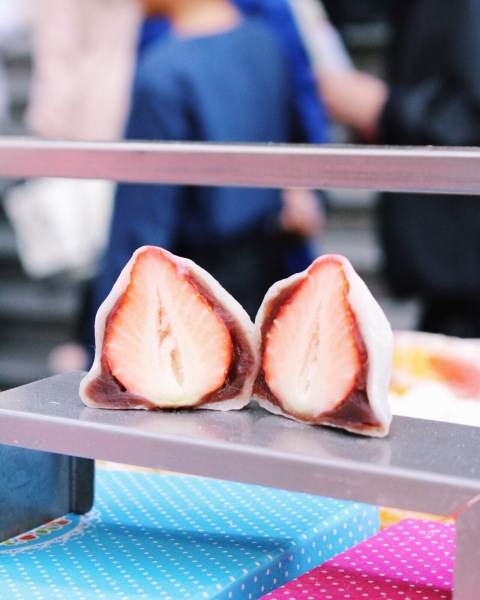 strawberry mochi seoul street food myoungdong food travel south korea