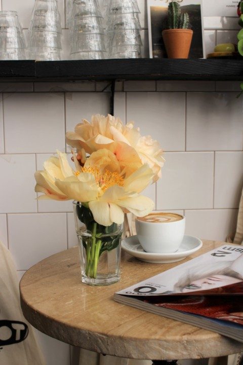 flower boot cafe coffee shop paris best