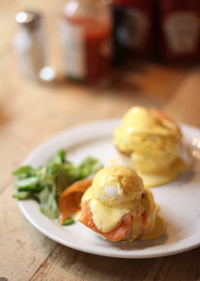 breakfast club london soho best eggs vegan healthy cheap budget travel sugarsheet