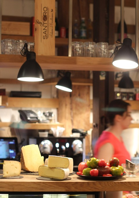 Inaro republique  wine bar paris best budget apero cheese saucisson Sugarsheet