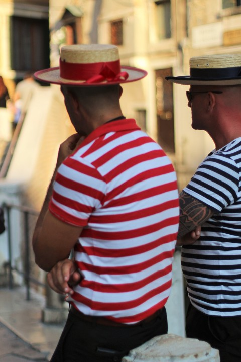 Venice venise italy gondolier marine stripped hat uniform canal street style